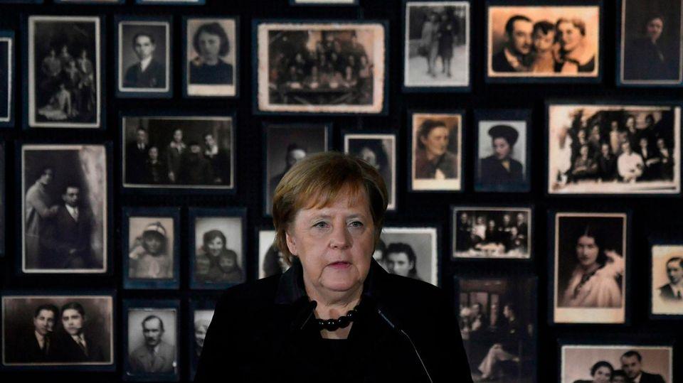 """Erster Besuch: Merkel sichtbar bewegt in Auschwitz: """"Ich empfinde tiefe Scham"""""""