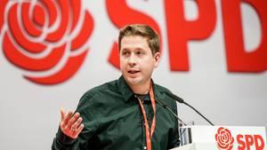 Kevin Kühnert, Bundesvorsitzender der Jusos, spricht beim SPD-Bundesparteitag