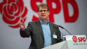 Berlin: Ralf Stegner, stellvertretender Vorsitzender der SPD, spricht beim SPD-Bundesparteitag