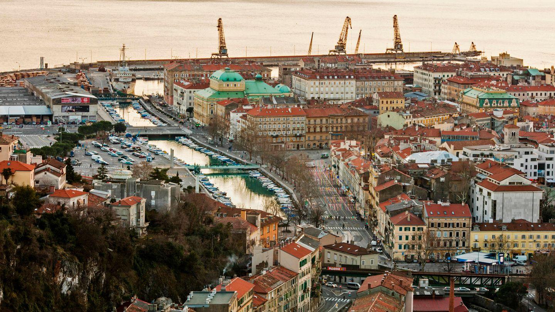 Blick auf die kroatische Hafenstadt Rijeka, die2020 Europäische Kulturhauptstadt sein wird