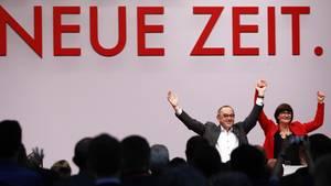 Die neuen SPD-Parteichefs Norbert Walter-Borjans and Saskia Esken