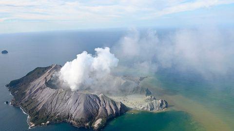 Riesige Aschewolke: Vulkan in Neuseeland ausgebrochen – mindestens fünf Tote auf White Island
