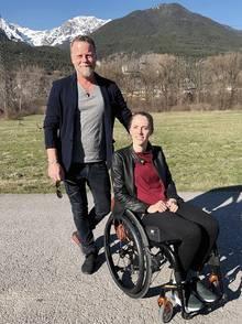 Reporter Jenke von Wilsmdorff begleitet die Ex-Stabhochspringerin Kira Grünberg