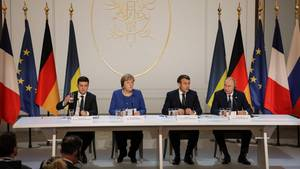 Selenskyj, Merkel, Macron und Putin bei der Pressekonferenz beim Ukraine-Gipfel
