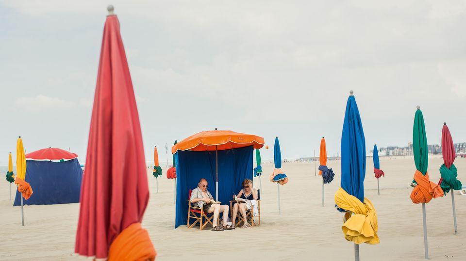 Entspannte Stunden am Strand vor denPlanches de Deauville