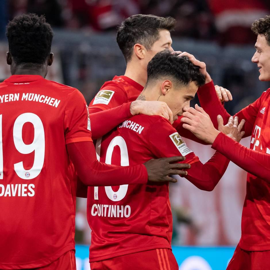 Fußball-Bundesliga: Bayern rasiert Bremen, BVB deklassiert Mainz