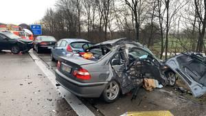 Bei dem Unfall auf der A29 bei Oldenburg wurde ein Mensch getötet