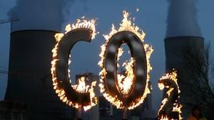 Ein brennendes CO2-Zeichen