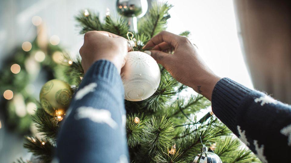 Weihnachtsbaum schmücken: Tipps und Ideen für das Weihnachtsfest