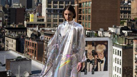 8500 Euro hat dieses hübsche Kleid gekostet.