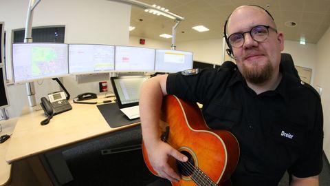 Disponent Jan Ole Dreier macht mit seinem Song auf den Missbrauch der Notrufnummer aufmerksam.