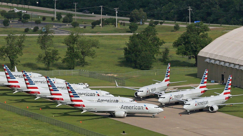 Am Boden: Mehrere Boeing 737 Max derFluggesellschaft American Airlines sind auf dem internationalen Flughafen Tulsa in Oklahoma geparkt.