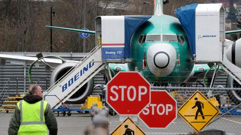 Eine Boieng 737 Max am Boden. Die Produktion wird vorbergehend ausgesetzt.
