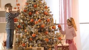 61 Prozent der Deutschen stelleneinen Weihnachtsbaum auf
