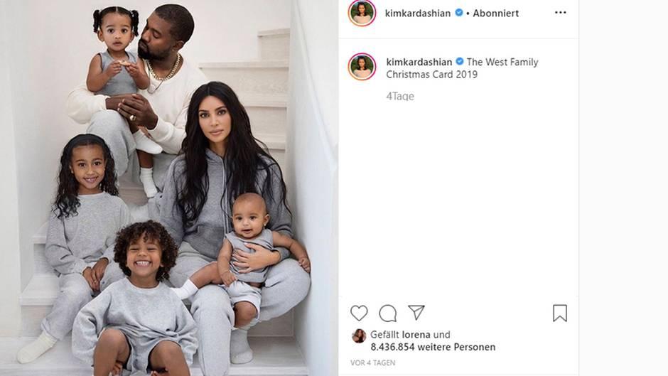Kim Kardashain: Sie ließ die Familien-Weihnachtskarte bearbeiten