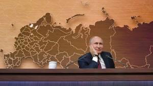 Versonnen in der Vergangenheit? Wladimir Putin auf seiner 15. Jahrespressekonferenz