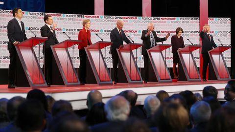 Die Präsidentschaftsbewerber der US-Demokraten bei einer TV-Debatte