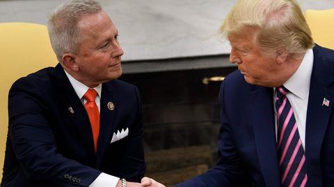 Jeff Van Drew wechselt zu den Republikanern und wird von Donald Trump freudig begrüßt