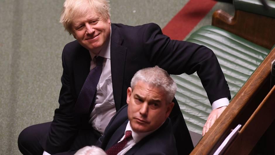 Boris Johnson kann sich nach seinem Erdrutsch-Wahlsieg das Grinsen nicht vom Gesicht wischen
