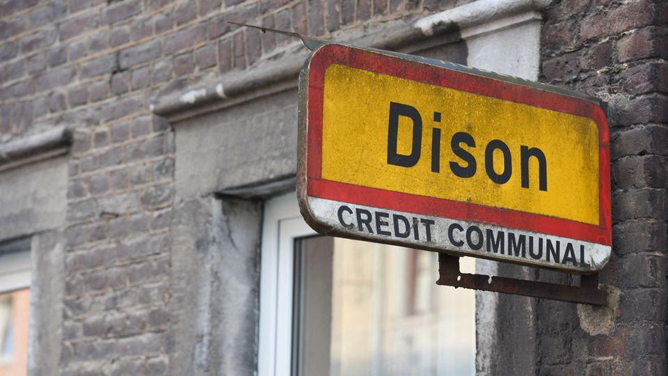 Ein Straßenschild im belgischen Dison