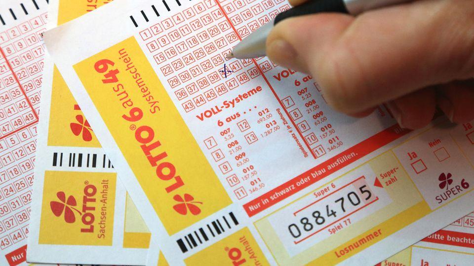 Mehr als zwei Jahre nach seinem Millionengewinn hat ein Lotto-Spieler aus dem Raum Reutlingen sein Geld immer noch nicht abgeholt
