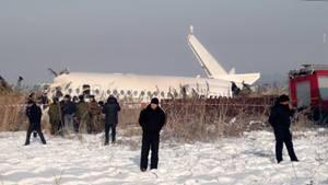 News im Video: Kasachstan – Mindestens 15 Tote bei Flugzeugabsturz