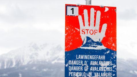 In den Alpen ist die Lawinengefahr weiterhin hoch
