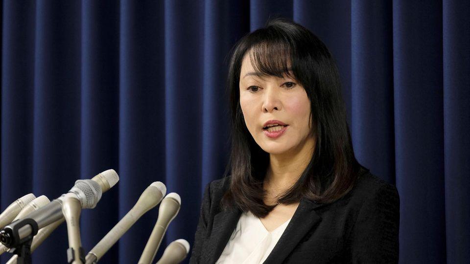 Japans Justizministerin Masako Mori spricht bei einer Pressekonferenz über die Hinrichtung