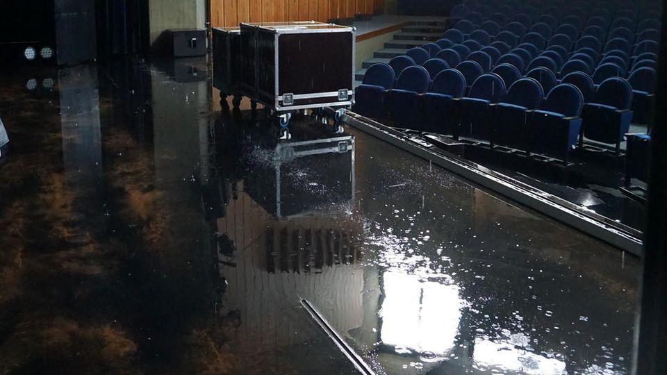 Das Stadttheater Ratingen steht unter Wasser