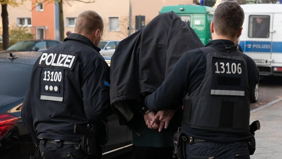 Kampf gegen Clan-Kriminalität in Berlin - eine Festnahme