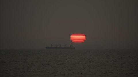 Asche und Rauch aus Australien ließen die Sonne in Neuseeland feuerrot glühen