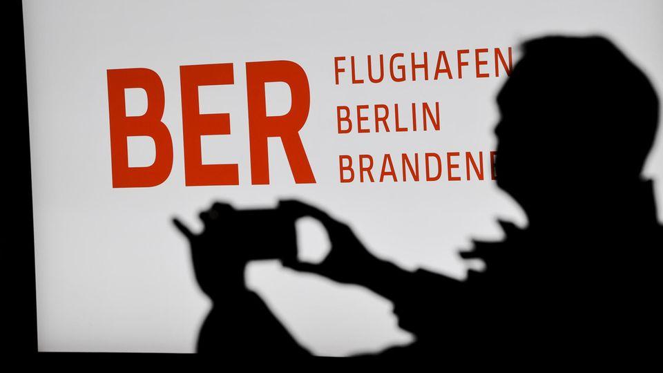 Im Terminalgebäude des Hauptstadflughafens Berlin Brandenburg Willy Brandt (BER