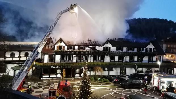 """Das Restaurant """"Schwarzwaldstube"""" steht in Flammen"""