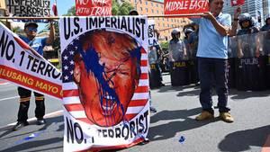 Donald Trump Protest Iran