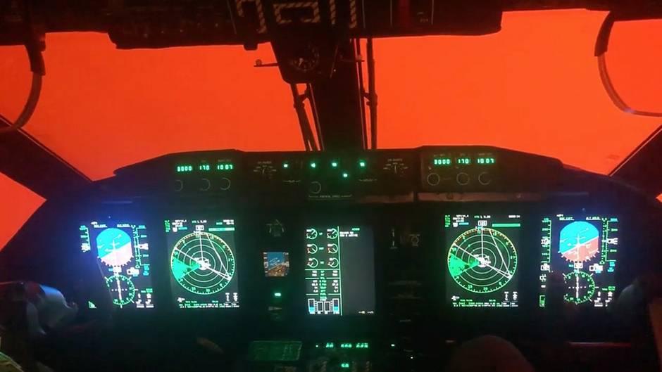 Buschfeuer in Australien: Rauch behindert die Besatzungen mehrerer Militärflugzeuge bei den Evakuierungsarbeiten