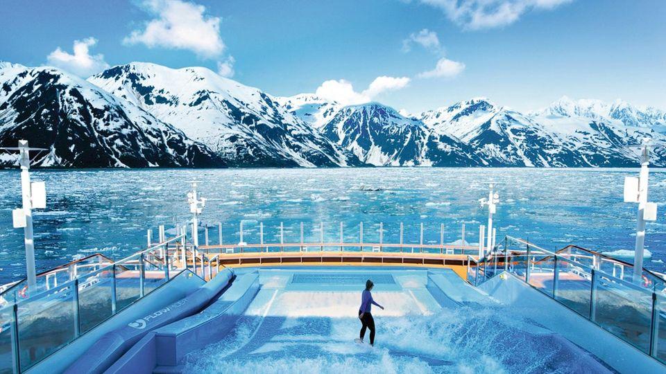 """""""Ovation of the Seas"""" in Alaska"""