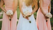 Braut mit zwei Brautjungfern