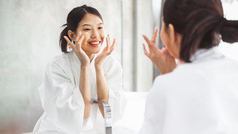 Die zehn Schritte der Korean Skin Care sollen zu einem ebenmäßigerenHautbild verhelfen
