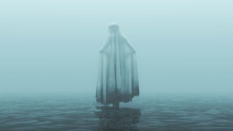 Eine junge Mutter hat Wahnvorstellungen. Oder ist doch etwas dran an der Frau im Wasser?