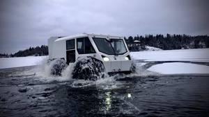 Ein großer Vorzug des Sherps ist es, dass er auch bei brüchigen Eis die Flussläufe befahren kann.