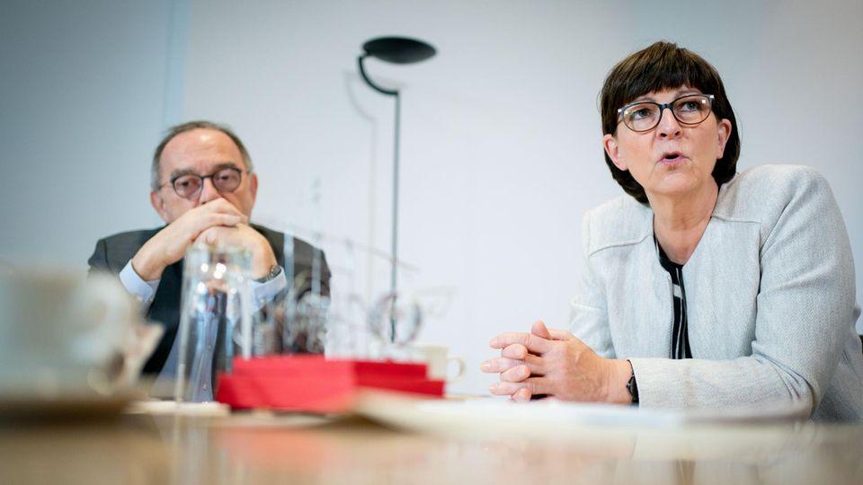 Norbert Walter-Borjans, Bundesvorsitzender der SPD, und Saskia Esken, Bundesvorsitzende der SPD