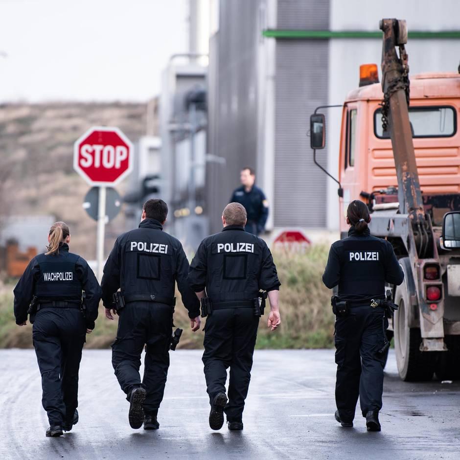Nachrichten aus Deutschland: Polizei findet Knochen von seit Oktober vermisster Frau auf Mülldeponie