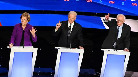 Elizabeth Warren, Joe Biden und Bernie Sanders bei der TV-Debatte in Iowa