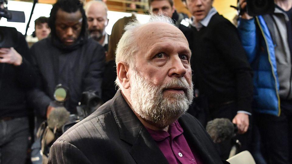 Ex-Priester Bernard Preynat begegnet im Missbrauchsprozess zehn von wohl hunderten seiner Opfer wieder
