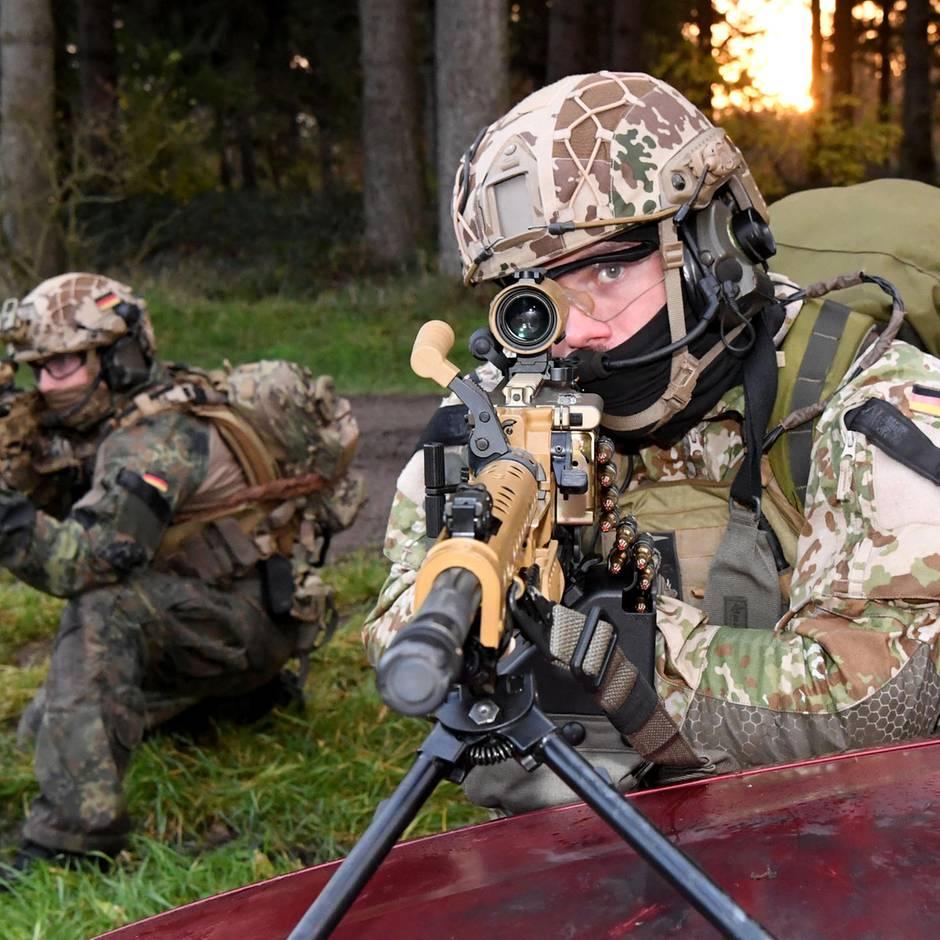 Spezialeinheit der Bundeswehr: Wer Kampfschwimmer werden will, muss ein 36-stündiges Verhör überstehen