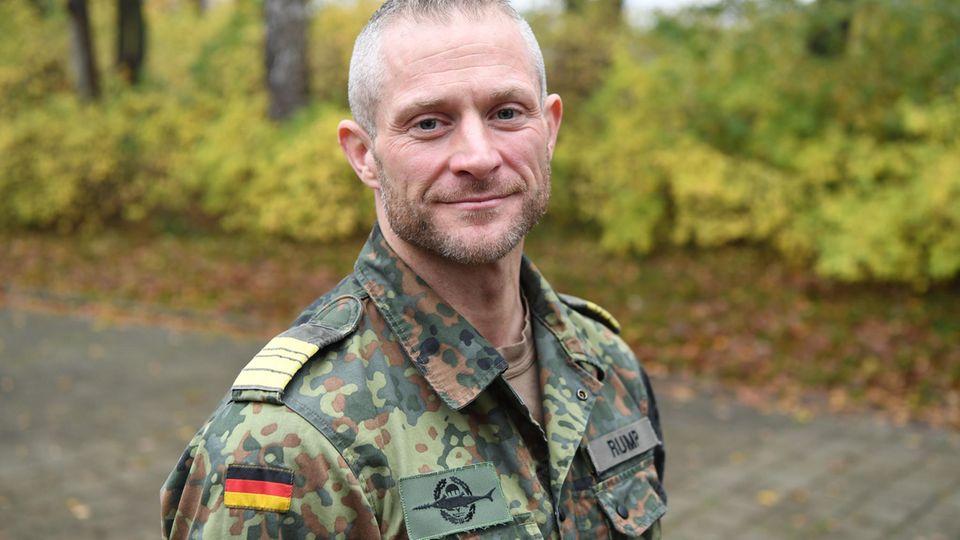 Kommandeur Sven Rump in Uniform
