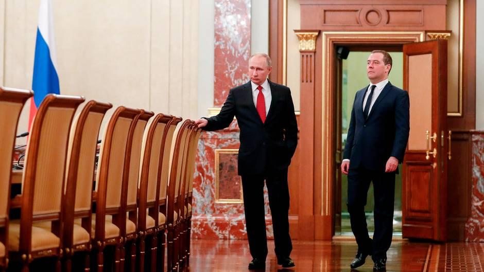 """Russland: """"Die Regierung ist zurückgetreten. Welche Regierung?"""" – So reagieren russische Twitternutzer auf Medwedews Verkündung"""