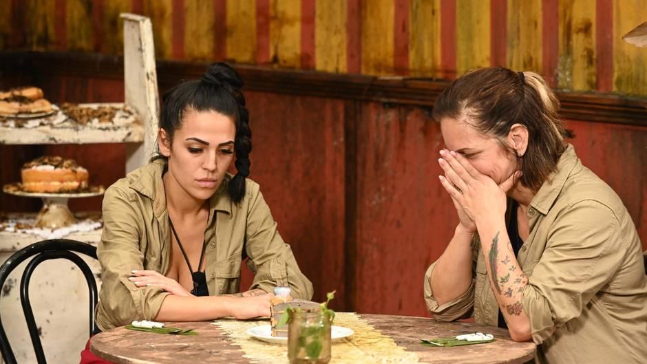 Dschungelcamp: Elena Miras und Daniela Büchner