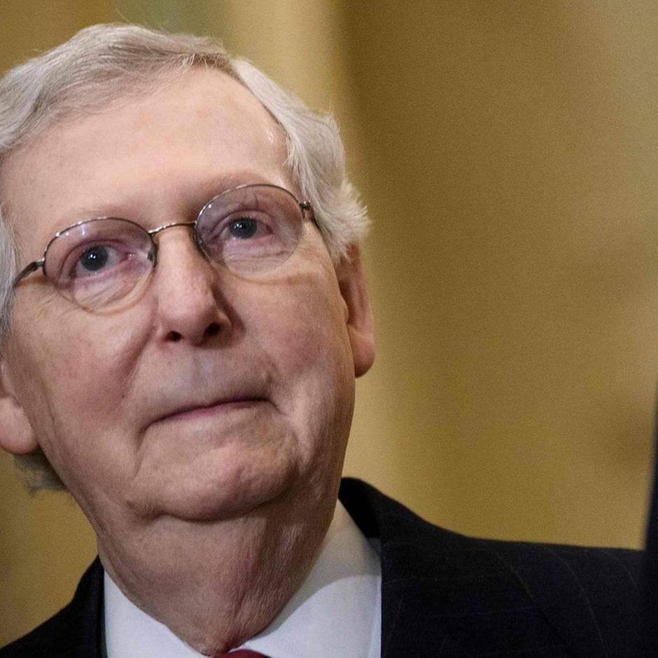 """Impeachmentprozess: Mitch """"Darth Vader"""" McConnell hält Donald Trump im Amtsenthebungsverfahren den Rücken frei"""
