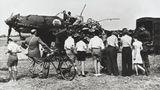 Eine Junkers Ju-87B Stuka wurde beim Angriff auf einen Flugplatz abgeschossen.